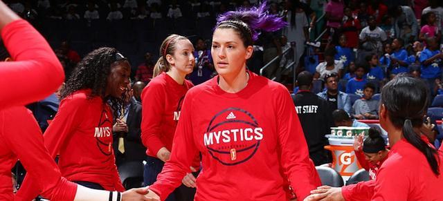 四川女籃簽約WNBA第六順位中鋒