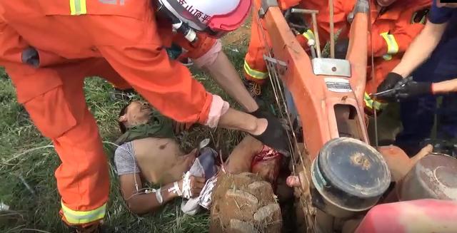 河南平顶山:农机吃人 消防胜利救援插图