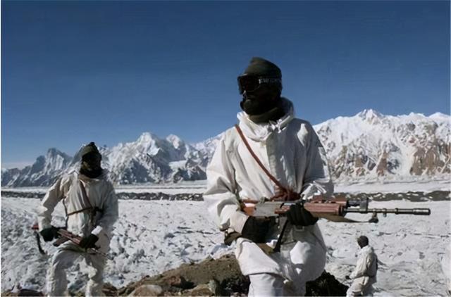 印媒罕见披露大雪封山前拉达克真实情况,三万印军正缺少防寒服 全球新闻风头榜 第3张