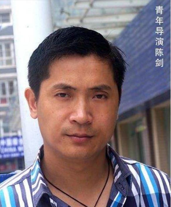 名导演质疑张玉环媒体哭诉 27年700万太划算了
