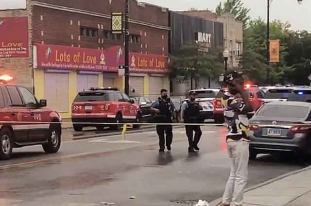 """美国一葬礼上突发枪击案,至少14人中枪,目击者称""""横尸遍野""""www.smxdc.net"""