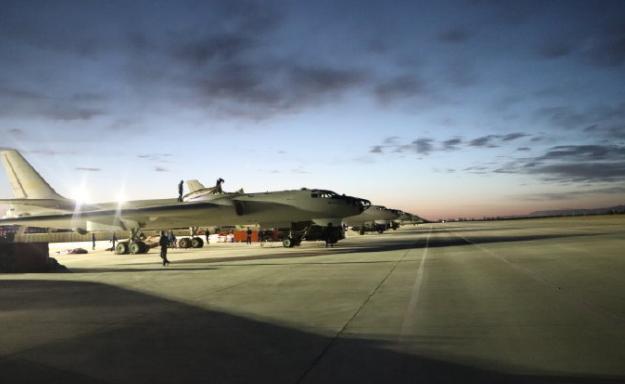 """""""打印机""""准备就绪,中国空军运20轰6同时现身高原,时刻准备着-第2张"""