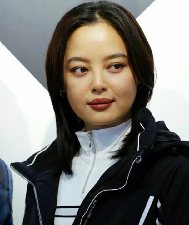 34岁辛芷蕾生图曝光,脸部浮肿疑似发福,本人回应:哪个才是我 全球新闻风头榜 第2张