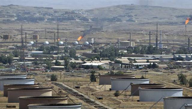 伊朗靠石油收入上千亿,为何人民还不富裕,这些钱去了哪里?