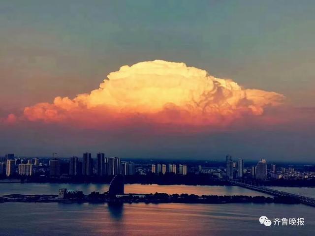 临沂人朋友圈刷屏的那朵形状像蘑菇的云,在莒南下了冰雹