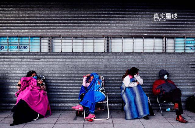 近半国民陷贫困,通胀居高不下,13%人口失业的痛苦阿根廷