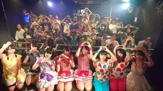 """迫不得已""""出海""""的日本地下偶像团队"""