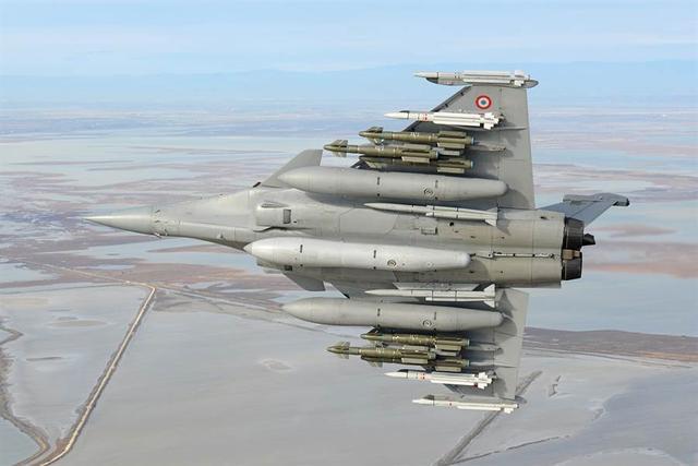 """印媒放言:阵风战斗机将配备""""铁锤""""导弹,可以击败歼-20"""