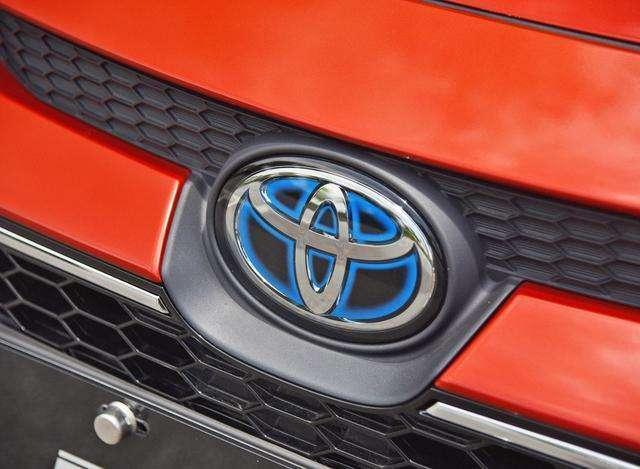 买大众车还是丰田车,老司机笑了:车在高速上跑一圈就知道如何选