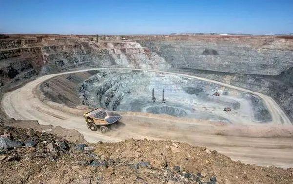 绿松山资源股票价格挫跌20%