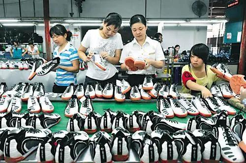 一天净利润约30万,莆田鞋业进攻战兢兢的提克托克法则。