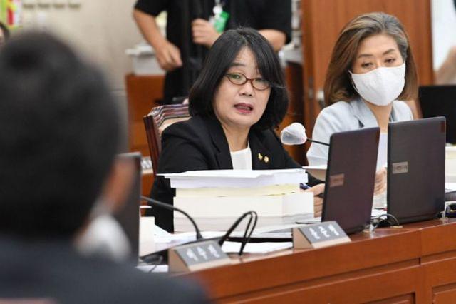 """韩国""""慰安妇""""维权组织前负责人被指控欺诈、挪用公款-第2张"""