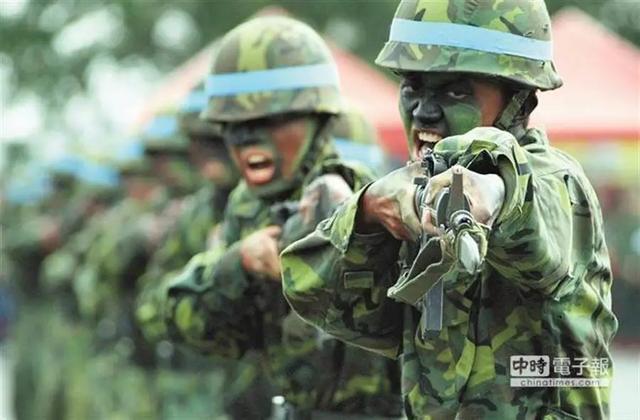 """台媒:台湾多数年轻人""""既最愿意上战场,却又高度反对征兵""""【www.smxdc.net】 全球新闻风头榜 第1张"""