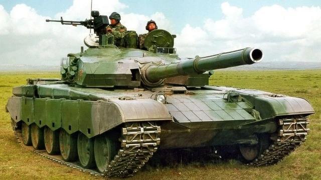 国产99坦克入役俄罗斯了?俄高调庆祝坦克兵节,海报闹出大乌龙-第3张