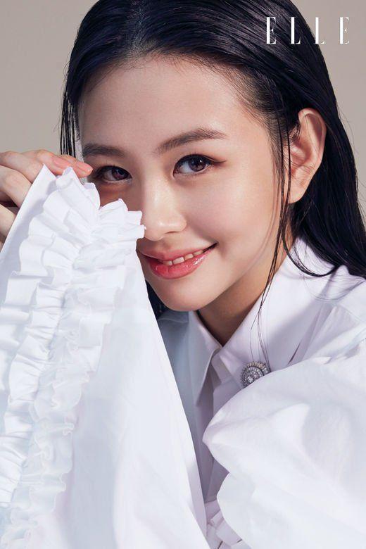 邱淑贞女儿沈月登上大刊封面,18岁星二代的时装进化之路-第7张