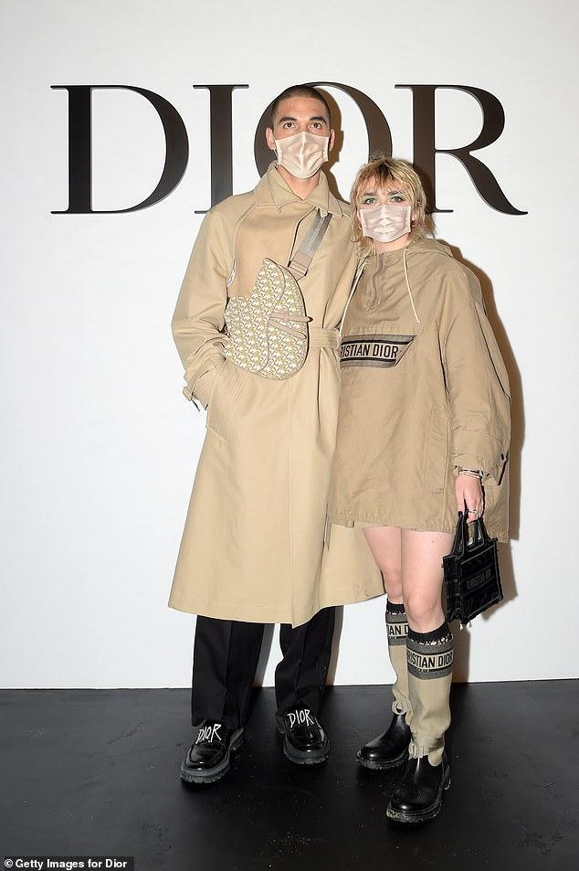 LV少奶婚后首秀Dior巴黎春夏,孟美岐云上看秀穿出一身清流-第11张