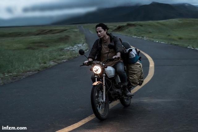 宁愿拍一个人的努力和坚持——韩寒与他的新片《飞驰人生》