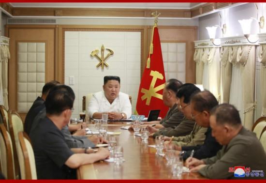 """朝鲜遭台风""""美莎克""""袭击 金正恩考察灾区www.smxdc.net"""