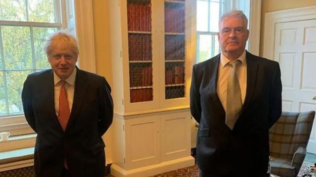 英国首相又隔离了