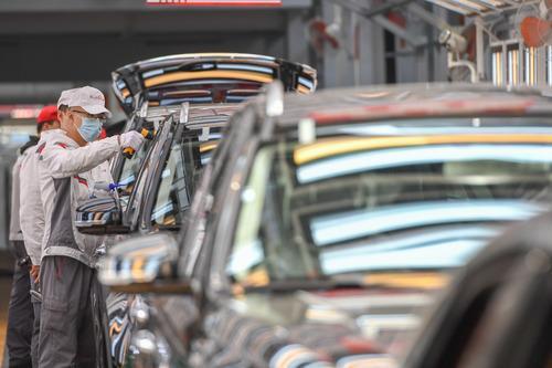 汽车下乡稳步推进 汽车市场持续复苏