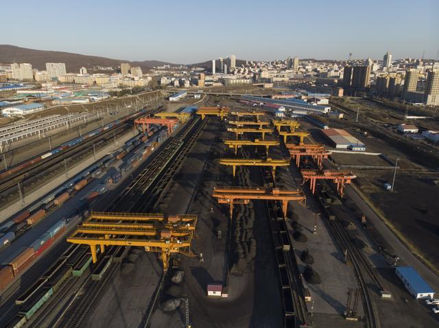 明年煤炭供需或紧平衡 中长协签约量将超10亿吨