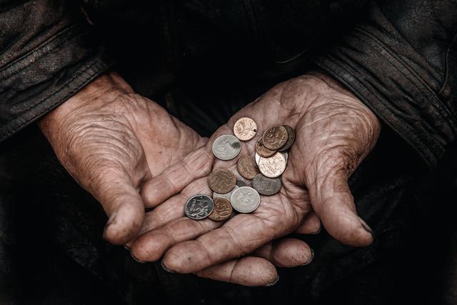 普京大帝接任的是一个烫手山芋叶利钦这八年期内的经济转型