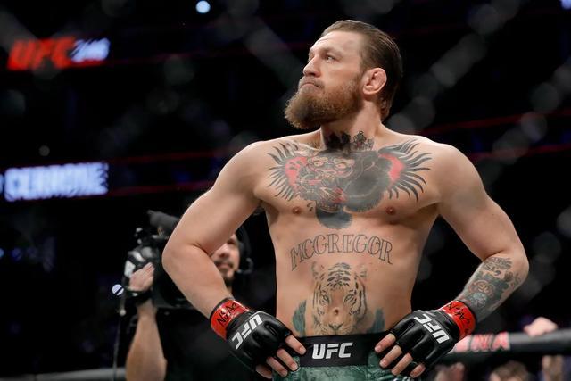 嘴炮确定年底回归对阵钻石 UFC慈善拳王喜提红内裤之夜