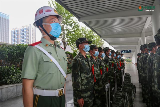 开启军旅生涯新篇章,武警广西总队柳州支队这样欢迎新兵入营-第4张
