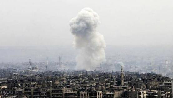 中东局势再度升级,导弹从天而降!伊朗弹药库被摧毁,10人被炸死-第1张
