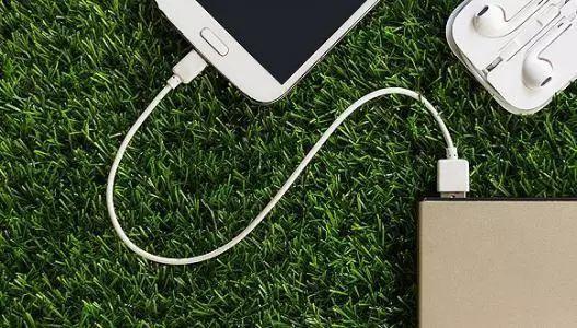 传统手机充电器