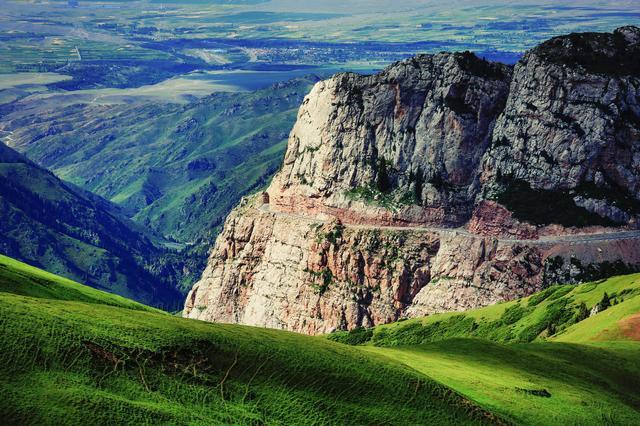 新疆伊昭公路自驾游攻略,风景媲美独库公路的风光大道