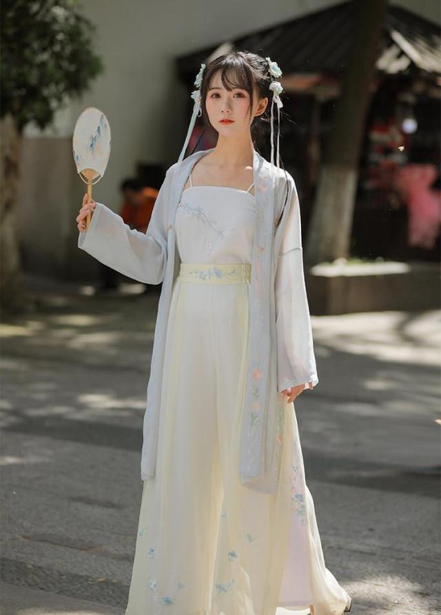 """外国女人都""""上头""""的汉服,学会穿法和搭配是关键,成为古装女神-第17张"""