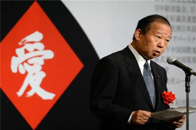新一代日本内阁的二把手,直言远亲不如近邻,坚持亲华路线-第4张