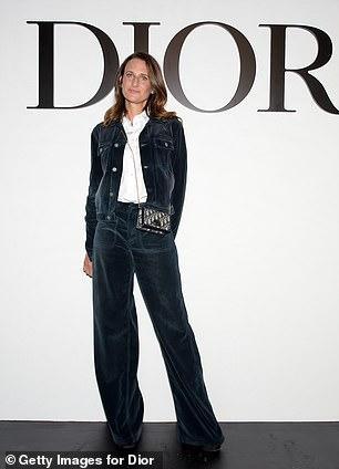 LV少奶婚后首秀Dior巴黎春夏,孟美岐云上看秀穿出一身清流-第24张