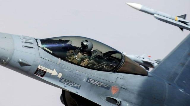 苏35不如F16,搭载先进雷达但航电系统是弱点,性能不容忽视-第2张