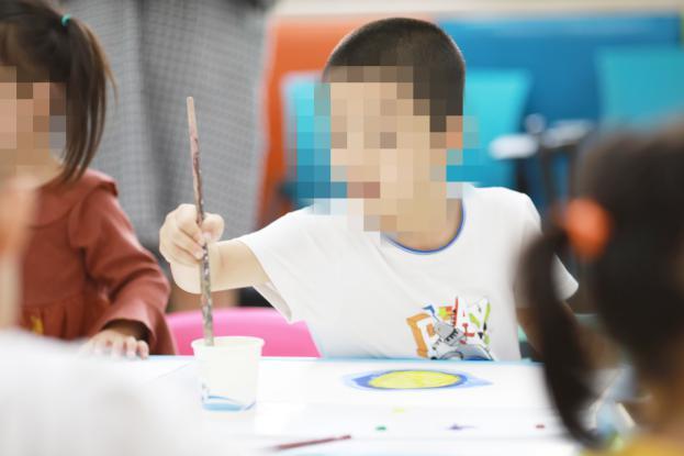 南京天佑儿童医院邀人气插画师贵图子开展中秋公益活动
