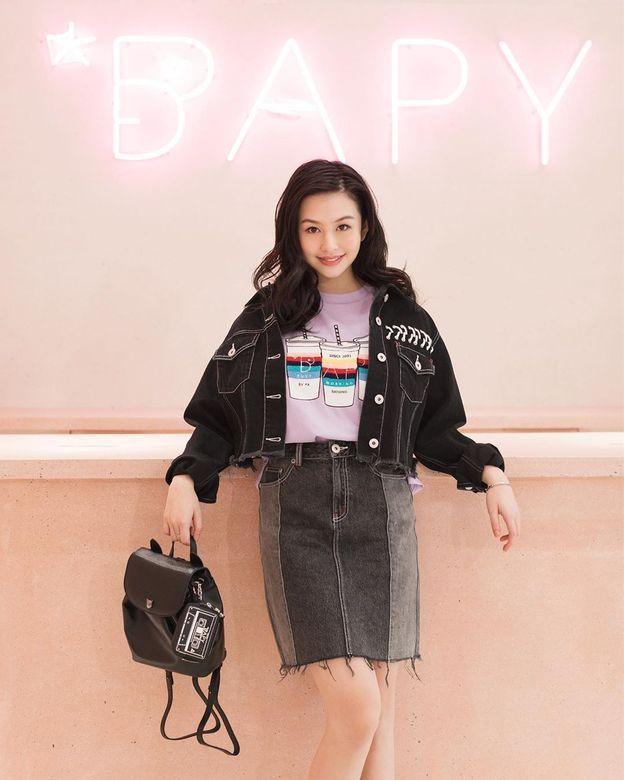 邱淑贞女儿沈月登上大刊封面,18岁星二代的时装进化之路-第14张