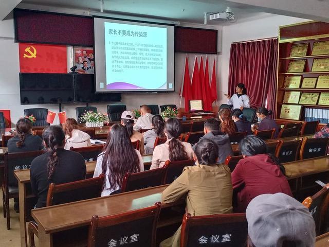 珠海儿科专家助力米林县秋季「手足口病」防控救治工作