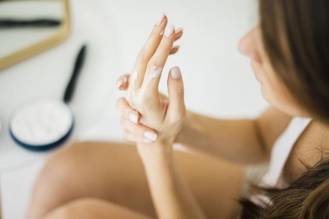 2020好用润手霜推荐 防疫频洗手干燥到龟裂,预防主妇手要用以下润手霜精选