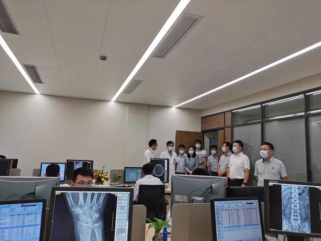 江苏省镇江市丹徒区副区长贺丽娟带队来萧山区第一人民医院参访