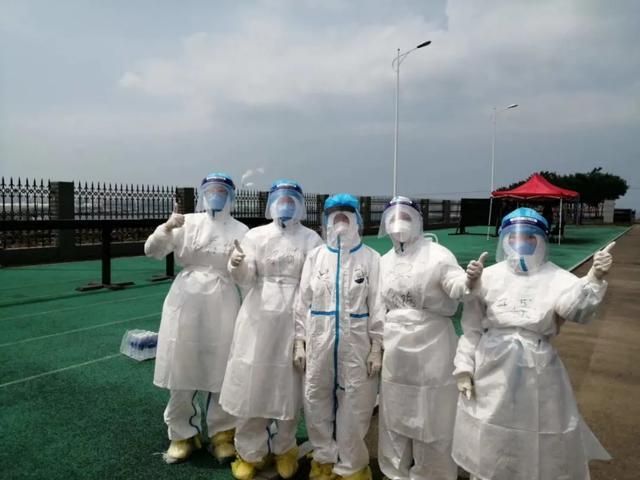 大连港医院积极开展港内职工核酸检测工作,确保港口防疫安全