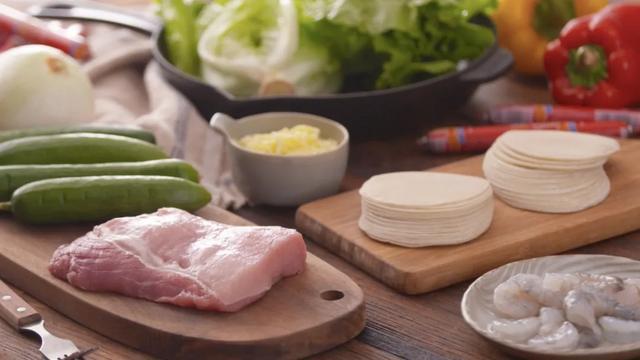美食的诱惑:饺子皮三种创意吃法