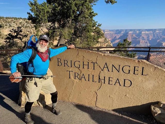 你打算爬山爬到多少岁?85岁老汉走完77公里大峡谷南北纵走