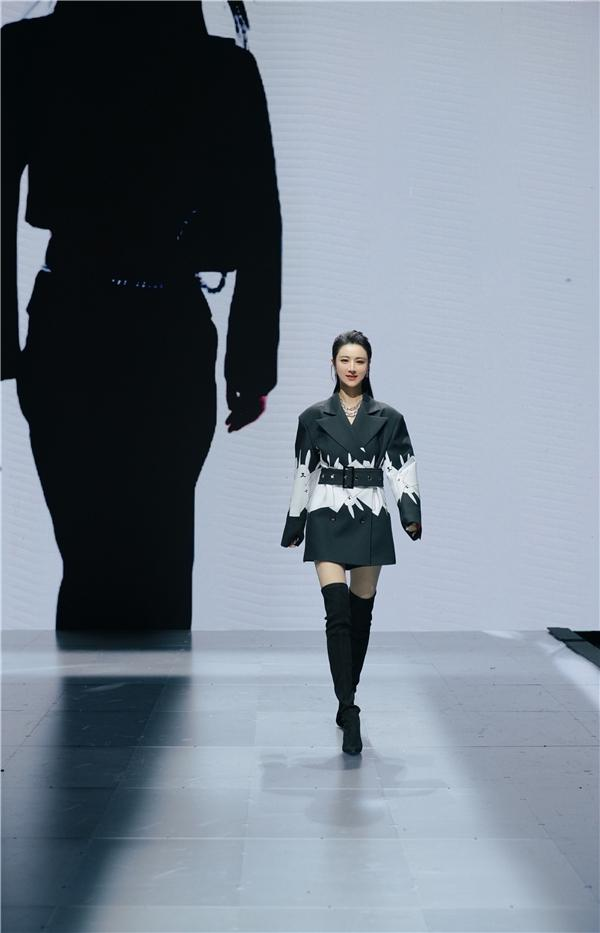 ITIB·VIYA NIYA 全球首发,直播女王薇娅viya开启时尚未来