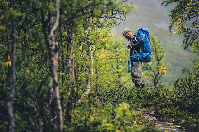 如何挑选适合的背包?教你怎样正确选择户外背包