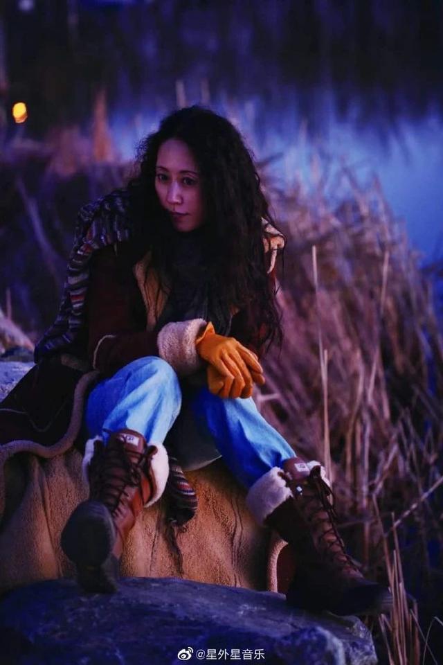 她是最美摇滚女将,沉寂9年,再发新专辑唱出人生真谛