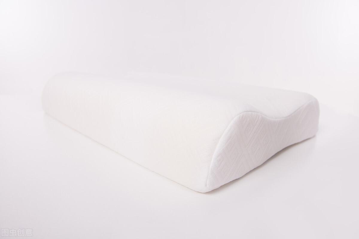 终于明白大家为什么都买乳胶枕了