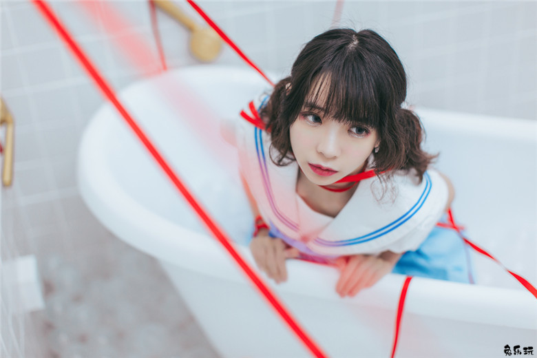 红绸少女的浴室水手服(45P)