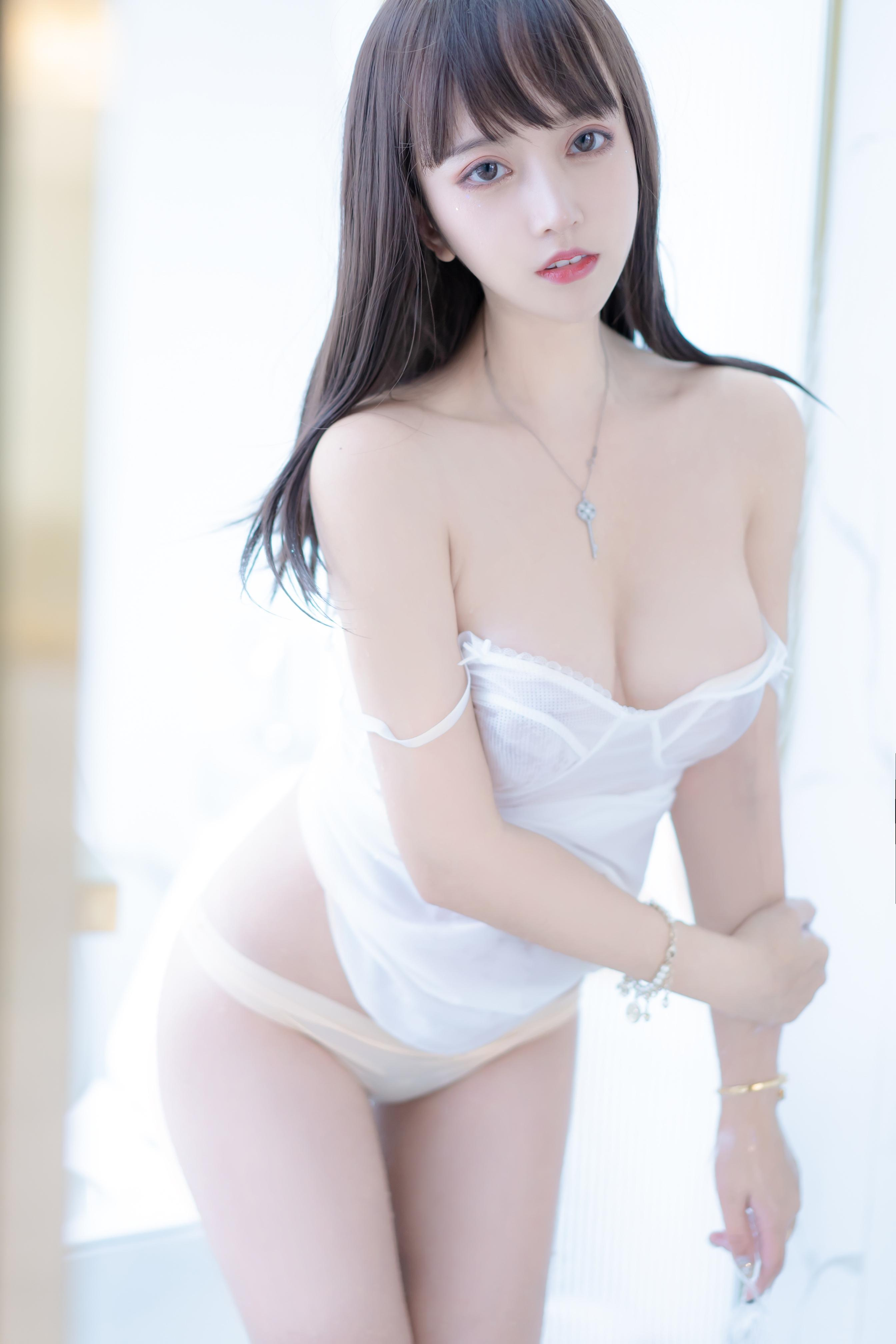 过期米线线喵 – 肉丝大姐姐[87P-106M]