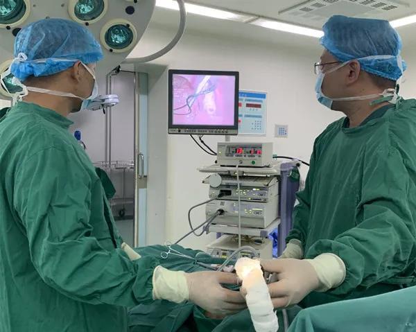 在最高的高原,为最小的人手术是一种什么体验?